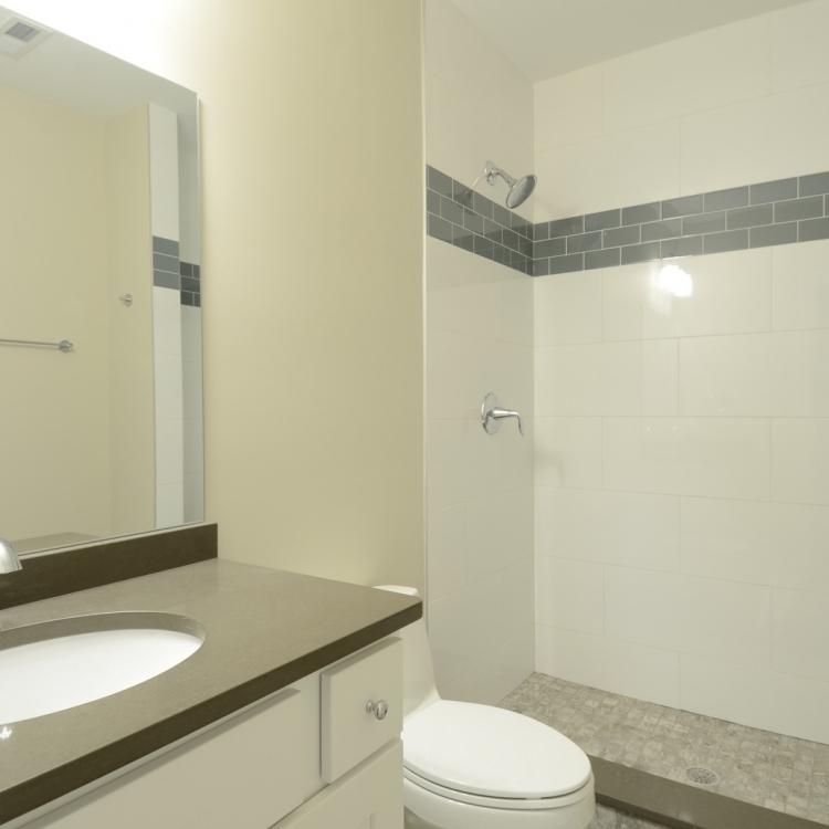 4705 MIddaugh - Bath
