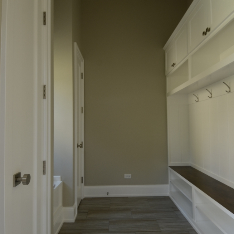 4705 MIddaugh - Mudroom
